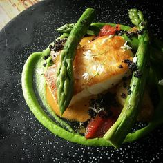Cod asparagus #bonniegull #seafoodshack #foleyst #thestaffcanteen #theartofplating by chrisedwardson
