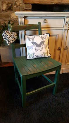 Vintage Slatted Utility Chair, painted with Annie Sloan Amsterdam Green Chalk Paint. Clear and dark waxed for a lovely rustic finish.