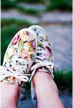 Tennis à fleurs / Floral printed sneakers