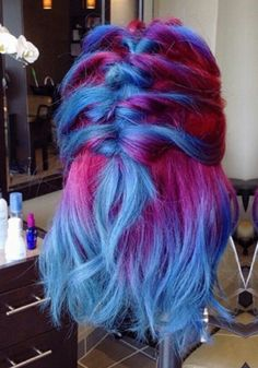 Pink blue dyed ombre hair @maayanbescene