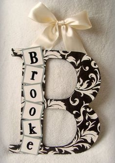 Custom Wood Letters---Carissa would like this for O and the family or just the family name. Maybe big family name and smaller letters for family members including dogs. Cute Crafts, Crafts To Make, Arts And Crafts, Craft Gifts, Diy Gifts, Handmade Gifts, Do It Yourself Inspiration, Do It Yourself Fashion, Wood Letters