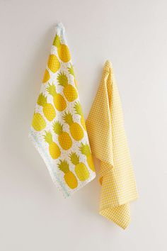 Pineapple Tea Towel Set- Yellow One from Urban Outfitters. Be Like A Pineapple, Pineapple Tea, Pineapple Kitchen, Pineapple Design, Pineapple Express, Pineapple Print, Feng Shui, Pots And Pans Sets, Personalized Towels