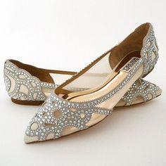 Yes! Believe your eyes. A stunning, glamorous flat wedding shoe by Badgley Mischka.
