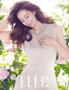 Han Ye Seul transforms into a Spring goddess for 'Swarovski' 2015 S/S collection | http://www.allkpop.com/article/2015/02/han-ye-seul-transforms-into-a-spring-goddess-for-swarovski-2015-s-s-collection
