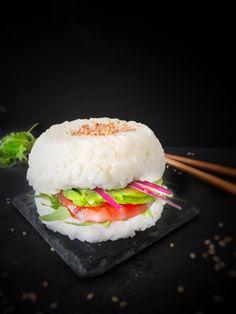 Un sushi burger vegan et gluten free pour tester la nouvelle tendance qui met en émoi la blogosphère culinaire et vous régaler avec cette recette healthy