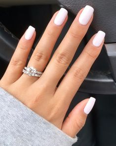 Nails in white gel: A range of ideas to adopt a very chic nail art - Women Style Tips. in Nails in white gel: A range of ideas to adopt a very chic nail art - Women Style Tips. Chic Nail Art, Chic Nails, Stylish Nails, Elegant Nails, Classy Nails, White Gel Nails, Pink Nails, Neutral Gel Nails, White Nail Polish