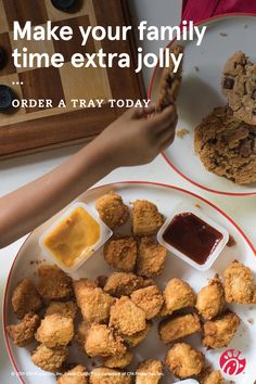 Make your family time extra jolly this Christmas season with Chick-fil-A® Catering. Order your trays today. Finger Food Appetizers, Finger Foods, Appetizer Recipes, Soup Recipes, Cooking Recipes, Good Food, Yummy Food, Christmas Party Food, Scallop Recipes