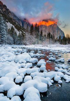 Winter Sunset Over El Capitan, Yosemite National Park, California, USA by Jay Lee