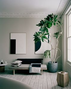 Interior Design Minimalist Living Room is entirely important for your home. Whether you pick the Minimalist Apartment Living Room or Minimalist Lifestyle Simple Living, you will create the best Minima Interior Design Minimalist, Modern Minimalist Living Room, Home Interior Design, Minimalist Lifestyle, Simple Interior, Minimalist Decor, Minimalist Style, Modern Living, Interior Ideas