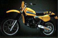 Moto Enduro, Enduro Motorcycle, Scrambler, Enduro Vintage, Vintage Bikes, Vintage Motorcycles, Cars And Motorcycles, Suzuki Bikes, Bike Rider