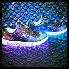 Shoes - Light up sneakers in galaxy print