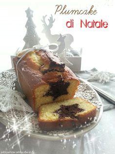 Un soffice e buonissimo plumcake, che non richiede la preparazione di due impasti, nasconde una speciale sorpresa. Perfetto da regalare, per stupire grandi e piccini.