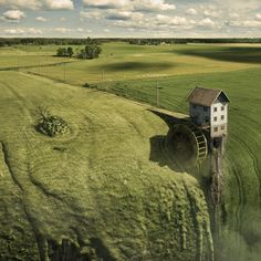 Landfall by Erik Johansson - Solo Eroticus Wildlife Photography, Creative Photography, Amazing Photography, Photoshop For Photographers, Photoshop Photography, Video Photography, Photoshop Actions, Adobe Photoshop, Erik Johansson