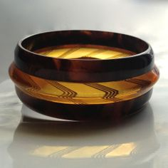 Bakelite Bangle Bracelet Reverse Carved Apple Juice & Laminated