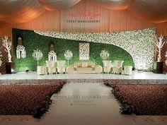Gold theme stage setup design ideas in pakistan – Artofit Reception Stage Decor, Wedding Reception Backdrop, Wedding Entrance, Wedding Mandap, Wedding Venues, Wedding Ideas, Wedding Hall Decorations, Romantic Wedding Decor, Marriage Decoration