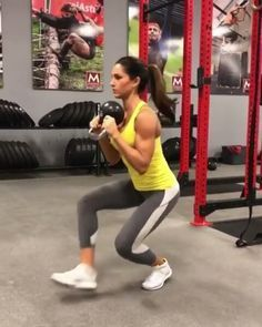 "Kettlebell workout from @alexia_clark ""1. 60 seconds each way! (Rest 15 between)  2. 10 reps forward and reverse  3. 15 reps each side  4. 15 reps  3 ROUNDS!"""