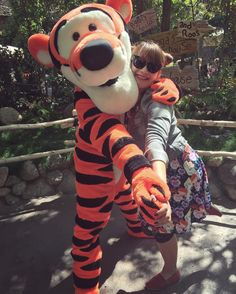 My first time meeting Tigger in years! He's do great to meet. Big hugs!!  #disneyland #disneygram #me #disneyside #facecharacter #furcharacter #cute by cutielamerr