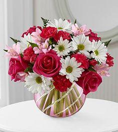 New flowers roses bouquet floral arrangements vase 17 Ideas - Modern Flowers Roses Bouquet, Beautiful Bouquet Of Flowers, Romantic Flowers, Rose Bouquet, Amazing Flowers, Flower Vases, Beautiful Flowers, Lilies Flowers, Flowers Garden
