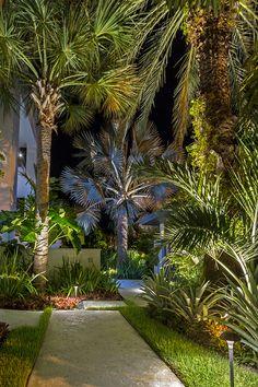 landscape lighting, outdoor lighting, outdoor living, low voltage lighting, tropical garden, lighting design, lighting & irrigation