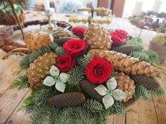 Så er der snart tid igen til juledekorationskursus……. – Bruun's Have Holidays And Events, Natural Materials, Christmas Wreaths, Recycling, Holiday Decor, Diy, Home Decor, Pine Cones, Floral Arrangements