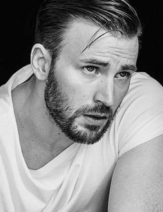 Chris Evans photographed by Trunk Xu for Modern Weekly (October 2015)