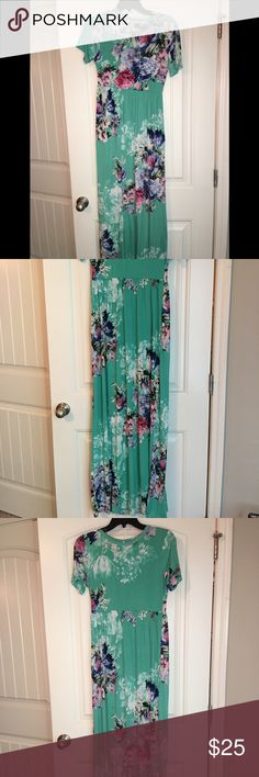 Mint Blue Floral Maxi dress This dress is worn and washed, other than that in really good condition and such a cute dress to wear out. I got this from a dress the website that was a little pricey. bellamie Dresses Maxi