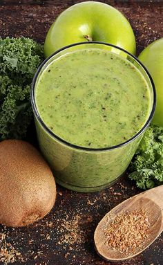 Green Smoothie Made With Kale, Kiwi