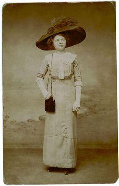 Edwardian Dress, Edwardian Era, Edwardian Fashion, Vintage Fashion, Lace Cuffs, Lace Collar, Belle Epoque, Vintage Dresses, Vintage Outfits