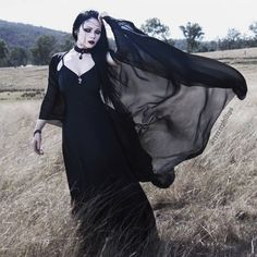Model: ReeRee Phillips Photo: Alterd Mind Dress: Iron Fist Clothing / Hollywood Villains Shawl: Black Milk Clothing Necklace: Restyle Bracelet/Rings: Rogue + The Wolf Welcome to Gothic and. Goth Beauty, Dark Beauty, Gothic Outfits, Gothic Dress, Dark Fashion, Gothic Fashion, Vampires, Wave Gotik, Gothic People