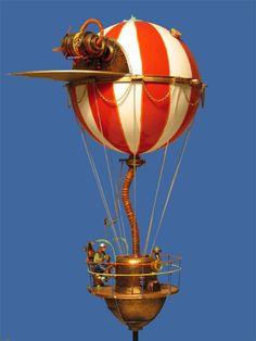KOSMOTRONIKS - dikkeballonprop , works by Harry Arling