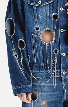 Dondup Circle Cut-outs, Fringing on Denim All Jeans, Jeans Denim, Denim Ideas, Denim Trends, Denim Fashion, Fashion Art, Fashion Design, Fashion Trends, Textiles