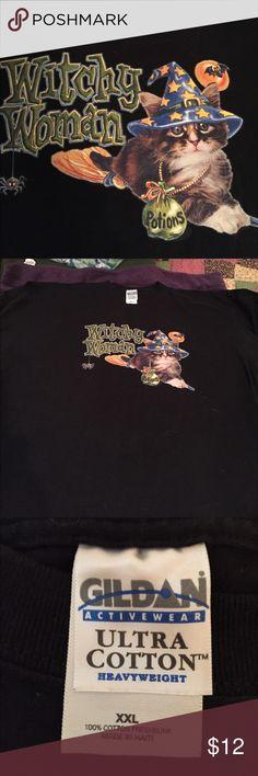 Adorable cat tee shirt Adorable cat tee shirt great condition hardly worn.  Good Halloween shirt Gildan Tops Tees - Short Sleeve