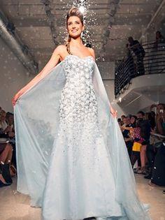 『アナと雪の女王』ウェディング・ドレスが完成、2015年に発売へ