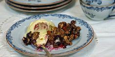Smuldrepai med bær – Berit Nordstrand Cravings, Food Porn, Healthy Recipes, Healthy Food, Eggs, Beef, Snacks, Baking, Breakfast
