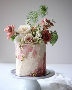 15 Cakes We Are Falling Head Over Heels For! Pretty Cakes, Cute Cakes, Beautiful Cakes, Beautiful Cake Designs, Bolo Floral, Floral Cake, Floral Wedding Cakes, Floral Flowers, Naked Wedding Cake