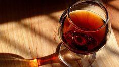 Povestea coniacului: drumul spre apa vieții Whisky, Pinterest Pin, Shanghai, Red Wine, Alcoholic Drinks, Glass, Album, Drink Wine, Alcoholic Beverages