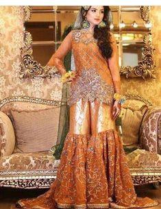 Wedding bridal gharara set dabka nagh pearls and gota work Model 165 Pakistani Mehndi Dress, Bridal Mehndi Dresses, Mehendi Outfits, Pakistani Wedding Outfits, Bridal Dresses Online, Indian Bridal Wear, Pakistani Wedding Dresses, Bridal Outfits, Pakistani Garara
