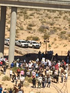 """Look how quick the fed's can erect a fence when they use it against American citizens."" #BundyRanch"