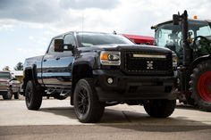 """Onyx Black 2016 GMC Sierra 3500HD SLT featuring a 6.5"""" lift, Fuel wheels, Fender flares and much more!"""