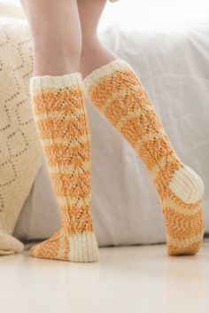 Free Knitting Pattern for Women's Knee-High Socks. Skill Level: Intermediate Knit these lovely knee-length lace stitch socks. Free Pattern More Patterns Like This! Easy Scarf Knitting Patterns, Free Knitting Patterns For Women, Crochet Baby Hat Patterns, Christmas Knitting Patterns, Sweater Patterns, Crochet Pattern, Stitch Patterns, Crochet Socks, Knitted Slippers