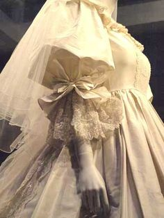 Another Emanuel Signature Idea  that we wanted ti include was the boned  bodice to enhance Lady Diana's shape(Drawn in very tight at the waist) Also we wanted to create a very full skirt to give a scale to the dress that would reflect the fact that the Wedding was at St Paul's. It is One of the Largest Cathedral in the World