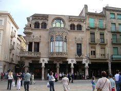 La arquitectónica reluciente de Reus « Viajar despacio #toothpickguide #reus #comer