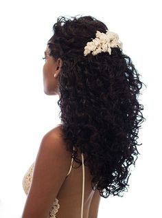 90 easy hairstyles for naturally curly hair - Hairstyles Trends Curly Bridal Hair, Natural Hair Wedding, Natural Wedding Hairstyles, Long Curly Hair, Wedding Hair And Makeup, Bride Hairstyles, Curled Hairstyles, Long Curly Wedding Hair, Wedding Hair Curls