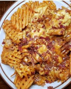 Chili Cheese Fries anyone? Chili Cheese Fries anyone? Think Food, I Love Food, Good Food, Yummy Food, Healthy Food, Tasty, Mexican Food Recipes, Vegetarian Recipes, Cooking Recipes