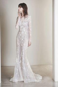 로브드케이 ROBE DE K White Wedding Dresses, Formal Dresses, Wedding Bells, Groomsmen, Veil, White Dress, Bouquet, Celebs, Bridesmaid
