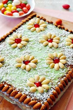 mazurka with nuts and raisins and icing Polish Recipes, Polish Food, Easter In Poland, Food Cakes, Easter Recipes, International Recipes, Tasty Dishes, Raisin, Cake Recipes
