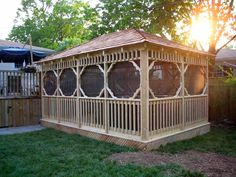 Low fence ideas pallet fence fence front yard fence fence and Screened Gazebo Kits, Enclosed Gazebo, Small Gazebo, Gazebo Roof, Gazebo Plans, Gazebo Canopy, Small Fence, Patio Gazebo, Gazebo Ideas