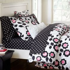 PB Teen: (Recommendation) Love this combo of black and white polka dot sheets and the floral bedspread/pillows.