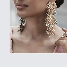 Timeless heritage jewellery inspired by the jewels of Indian Royalty. Indian Jewelry Earrings, Jewelry Design Earrings, Indian Wedding Jewelry, Big Earrings, Wedding Jewelry Sets, Bridal Jewelry, Gold Jewellery, Jewelery, India Jewelry