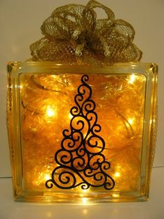Glass Block Craft Ideas but change the color Painted Glass Blocks, Decorative Glass Blocks, Lighted Glass Blocks, Christmas Projects, Holiday Crafts, Christmas Crafts, Christmas Decorations, Christmas Ornaments, Christmas Tree
